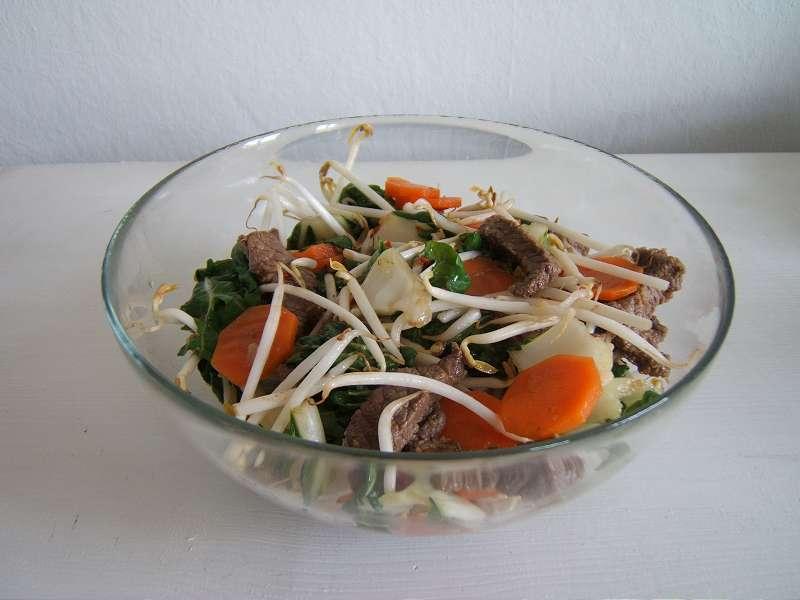sojabohnensprossen-salat-w800