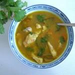koriander-currysuppe-mit-huhnerfleisch (Koriander-Currysuppe mit Hühnerfleisch)
