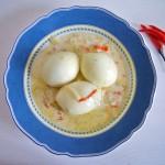 Eier in Chili-Sahnesauce (Eier in Chili-Sahnesauce)