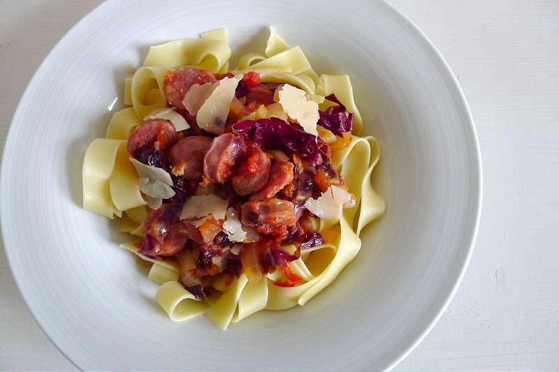 Tagliatelle mit Salsiccia, Fenchel und Radicchio