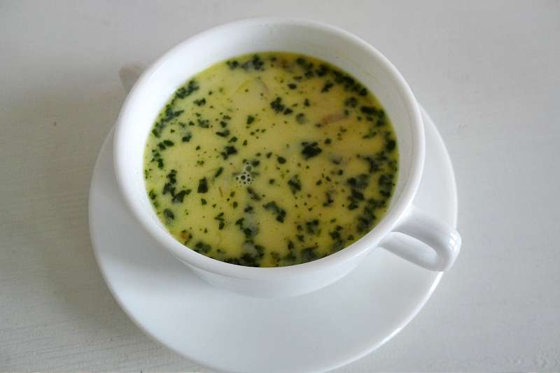 Parmesan-Basilikumsuppe