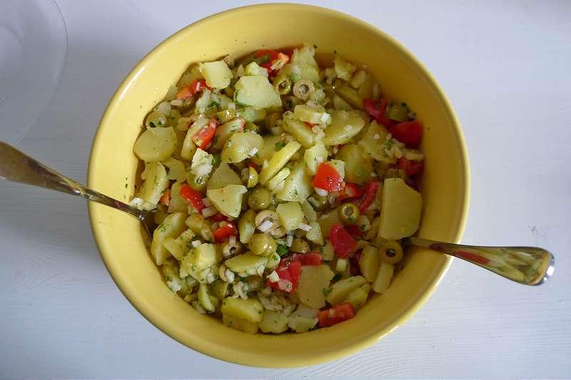Kartoffel-Olivensalat