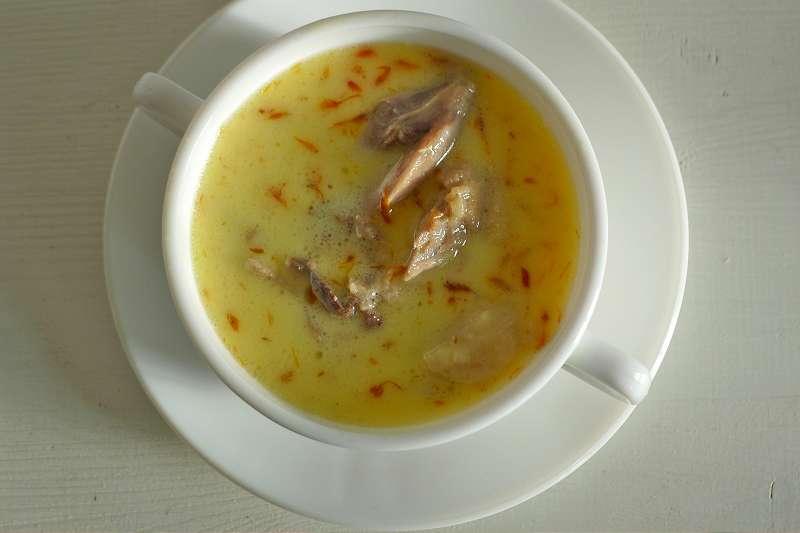 Safransuppe mit Entenfleisch