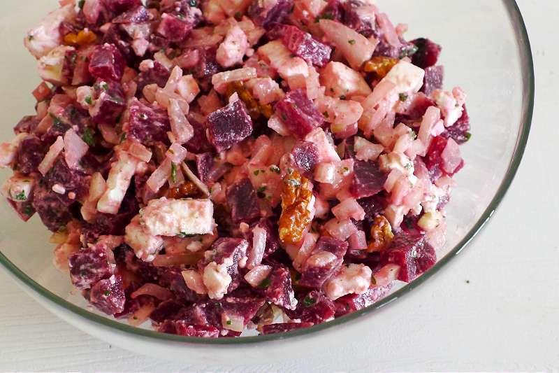 Rote-Betesalat mit Schafskäse und Walnüssen_ji-W800