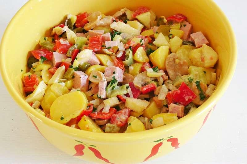 Kartoffelsalat mit Paprika und Fleischwurst_ji-W800